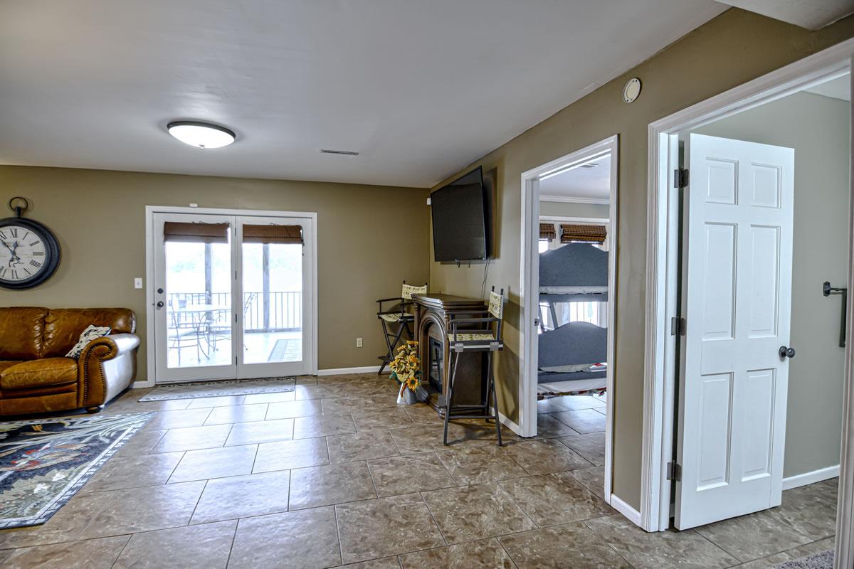 32653 Broadview Acres-32