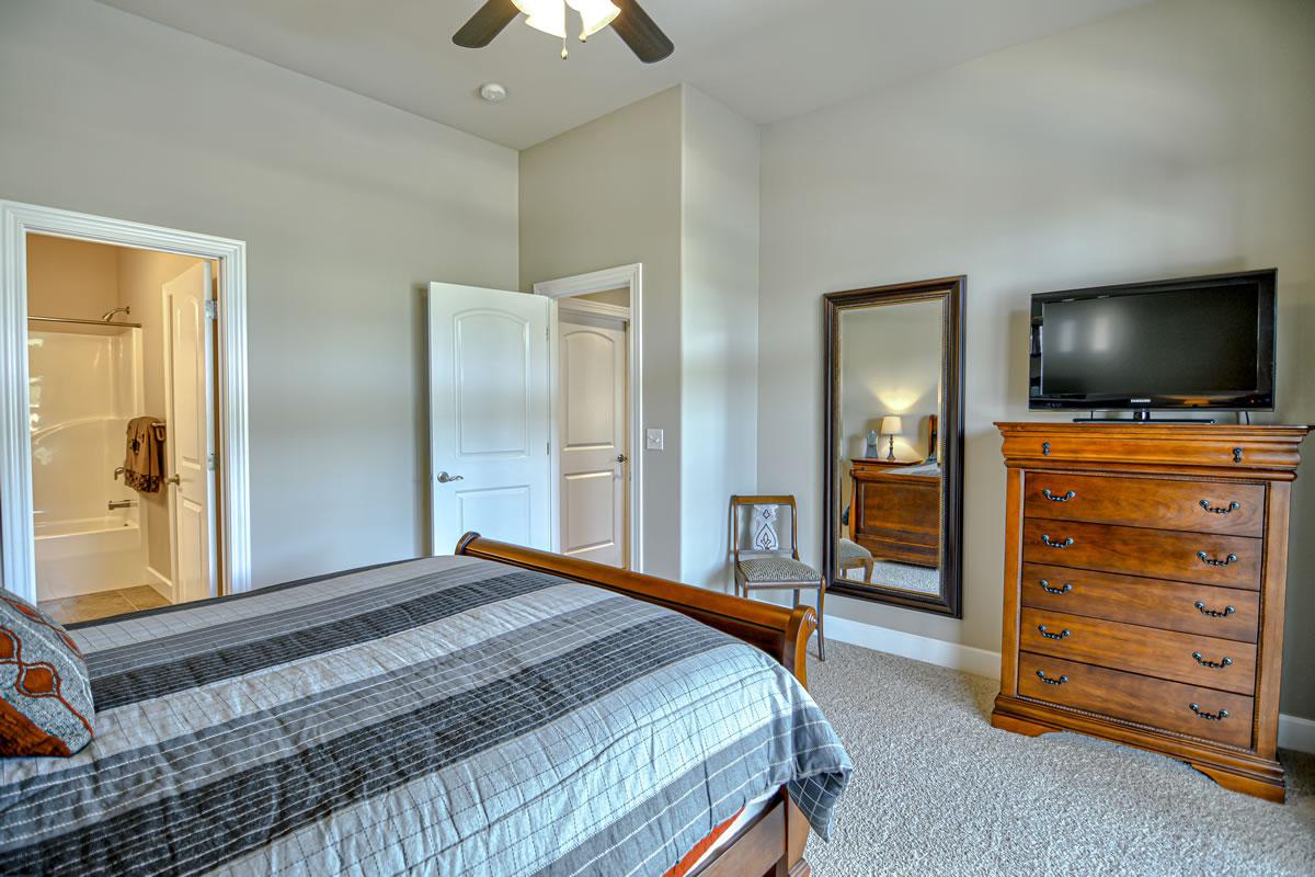 371 Monterey Place-32